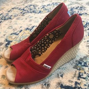 Red wedge Toms